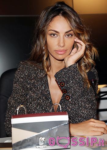 Madalina Ghenea durante la conferenza stampa di Sanremo 2016