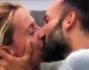 Amici o qualcosa di pi�? Giudicate voi dal bacio:  Debora Villa e Alessandro Sampaoli
