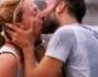Che bacio passionale tra Debora Villa e Alessandro Sampaoli dopo la loro vittoria!