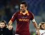Il saluto dei giocatori della Roma alla curva sud: ecco Francesco Totti e Daniele De Rossi con Christian e Chanel
