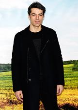 Luca Argentero in total black per 'Noi e la Giulia': le foto