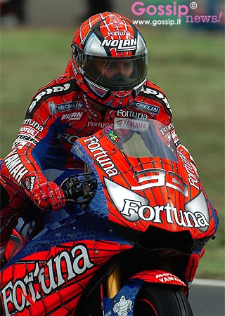 Marco melandri come spiderman