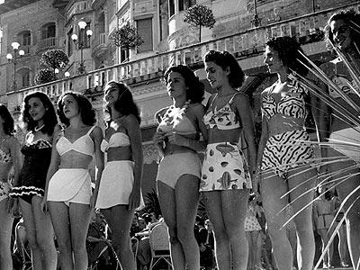 vinse lucia bos da allora tutte le donne dello spettacolo fecero a gara a indossare due pezzi sempre pi succinti intendendoli come strumento di