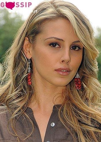 http://gossip.it/spettacolo/non_smettere_di_sognare/images/benedetta_valanzano_a_roma_ca9b.jpg
