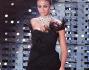 Madalina Ghenea in un bellissimo abito nero contornato da piume