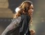 Rihanna si è lasciata andare a gestualità non nuove e ispirate al re del pop Michael Jackson, ma messe in scena con una foga tale da lasciare di stucco