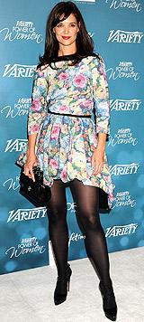 Katie Holmes, con abito floreale di Louis Vuitton, è stata la più fotografata alla seconda edizione dell'Annual Power Of Women Luncheon a Beverly Hills: le immagini