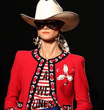 Milano Fashion Week PE2011: Moschino