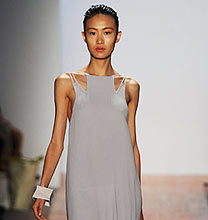 New York Fashion Week PE2011: Max Azria