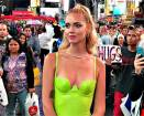 Chiara Ferragni, a Time Square folla in delirio per lei