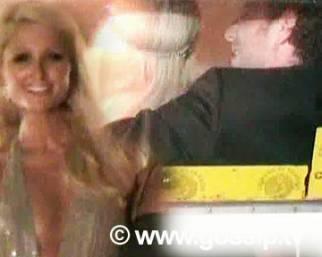 Paris Hilton, un party col fidanzato