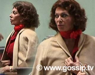 Paparazzate: Sophia Loren e gli specchi