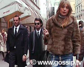 Pietrantonio, shopping col figlioccio