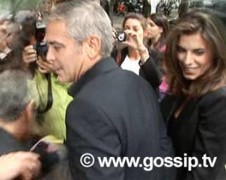 Clooney-Canalis: delirio a Milano!