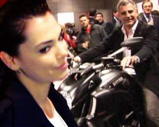 Bellezze vip al Ducati store