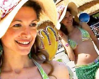 Maria Monsé, con Perla diva da 'beach'