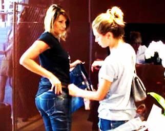 Simona Salvemini, il jeans si compra con la Satta