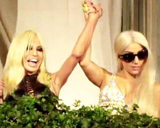 Lady Gaga e Donatela Versace, come due sorelle