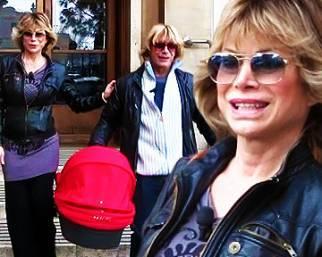 Carmen Russo torna a casa con Maria