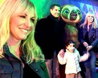 Clerici al cinema con la figlia e Martens
