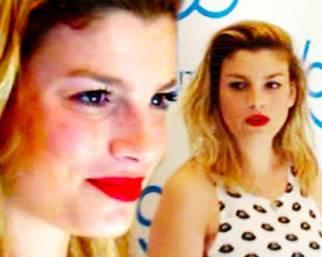Emma sorride allo 'Sloggi Day'
