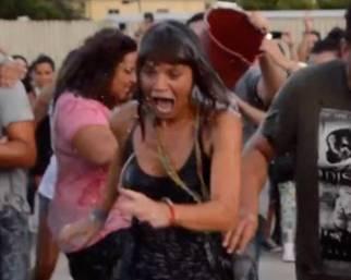 Alessandra Amoroso: Ice Bucket Challenge