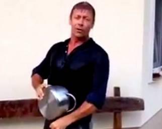 Rocco Siffredi: Ice Bucket Challenge particolare