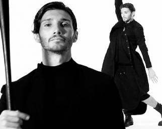 Stefano De Martino, balletto con la gonna