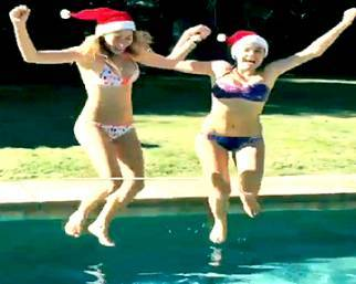 Cristel e Romina Carrisi: due Santa Claus in bikini