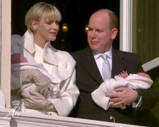 Festa a Monaco per la presentazione dei gemellini di Alberto e Charlene