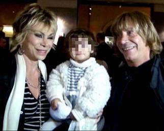 Carmen Russo, Enzo Paolo e la piccola Maria: una famiglia felice!
