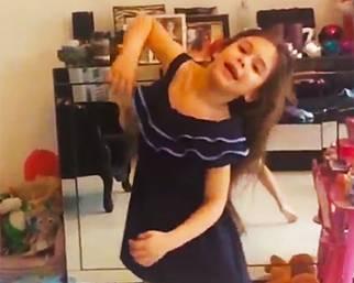 Chloe, la figlia di Guenda Canessa � gi� una ballerina