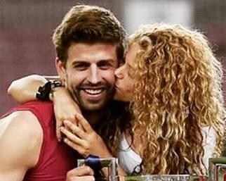 Gerard Piqué, dopo la vittoria in Champions, in disco con Shakira