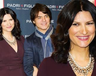 Laura Pausini red carpet romano in famiglia