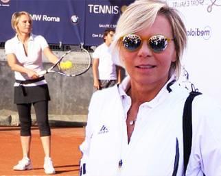 Maria De Filippi e gli altri vip in campo al Tennis&Friends