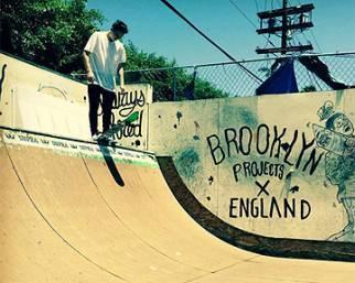 Brooklyn Beckham, un mago sullo skate
