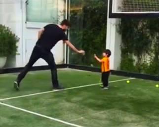 Gerard Piqué insegna a giocare a tennis a Milan