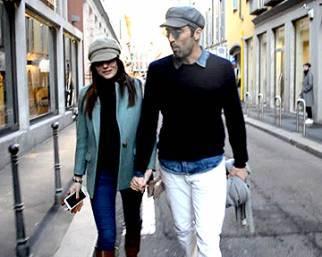 Ilaria D'Amico e Gigi Buffon, look sbarazzino per lo shopping