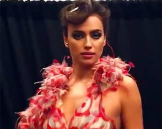 Irina Shayk alla sfilata per la prima di 'Zoolander 2'