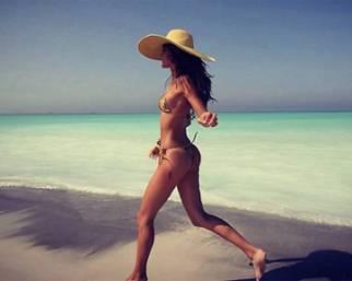 Gracia de Torres, la spagnola 'desnuda' dell'Isola 11