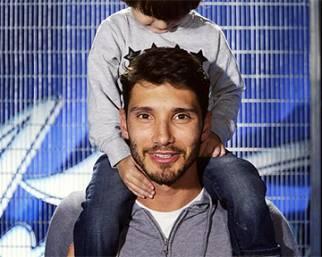 Stefano De Martino papà ballerino con Santiago