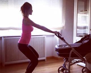 Elena Santarelli si allena insieme alla piccola Greta