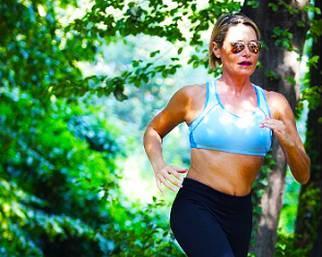 Simona Ventura, estate a tutto fitness e divertimento