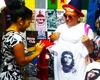 Cristiano Malgioglio, shopping e divertimento a Cuba