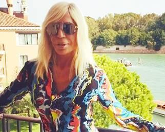 Donatella Versace al Festival di Venezia