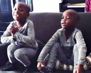 Madonna mostra le gemelle che cantano