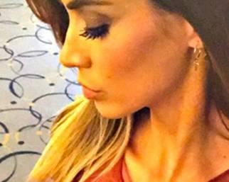 Melissa Satta favolosa in rosso a Montecarlo