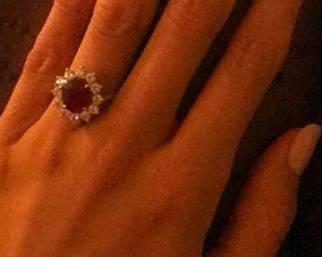 Il nuovo anello di fidanzamento di Belen!