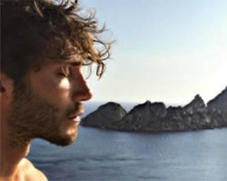 Stefano De Martino, vacanze da solo ad Ibiza?