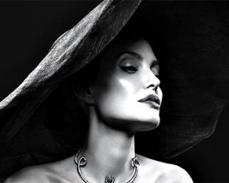 Angelina Jolie e il divorzio: 'Non ho pianto davanti ai figli'